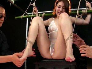Show tickling game