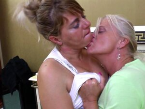 Moans As Matured Lesbian Juicy Pussy Gets